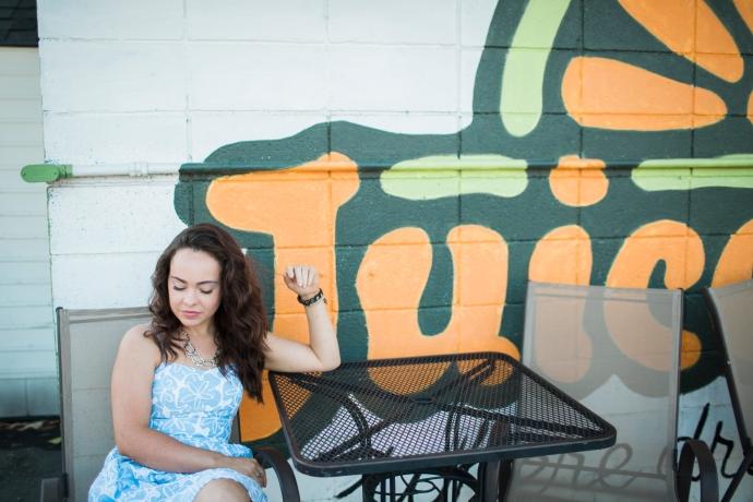 girl-at-restaurant